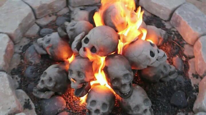 уголь в форме черепа